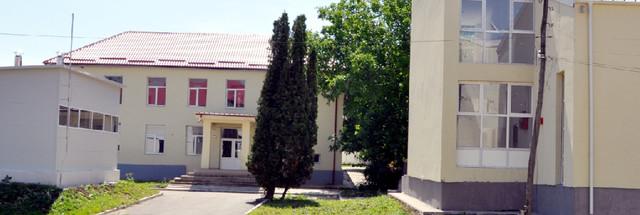 Campusul școlar din Fierbinți-Târg a fost abandonat