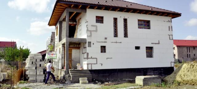 Primăriile din Ialomița au acordat peste 70 hectare de teren pentru construcția de locuințe